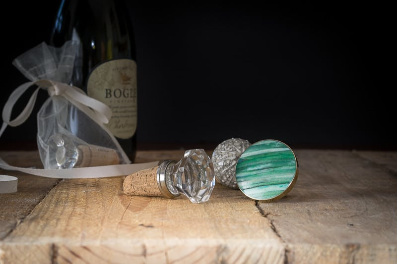 Wine Stoppers make a great gift and are a fun and easy DIY