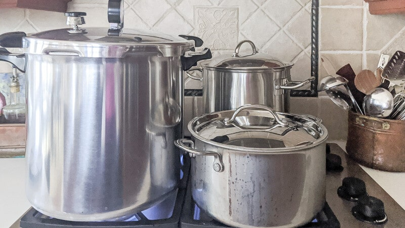 Pressure Canning with Presto. Canning both bone broth and chicken stock at the same time.